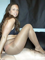 Pantyhose and Facesitting - 15 pics